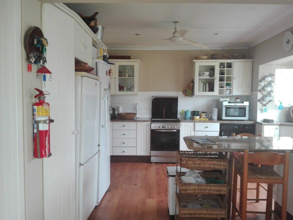 Sea Park property for sale. Ref No: 13400592. Picture no 35