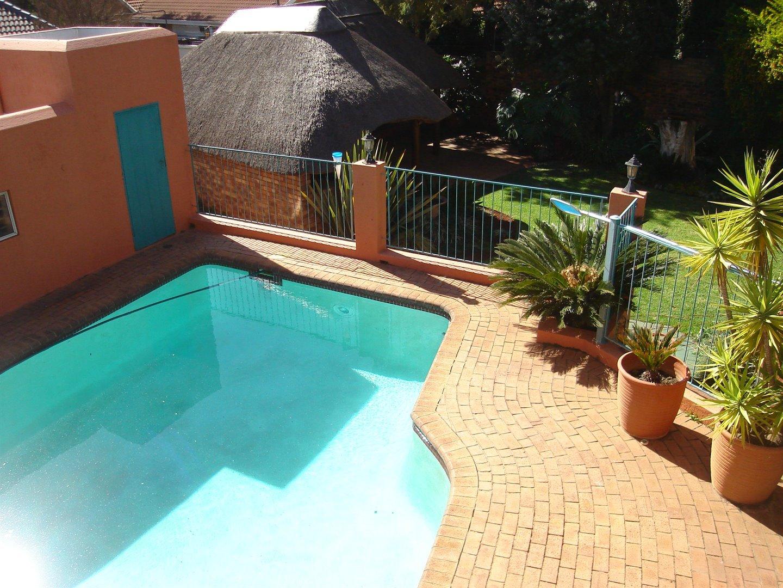 Eldoraigne property for sale. Ref No: 13494397. Picture no 33