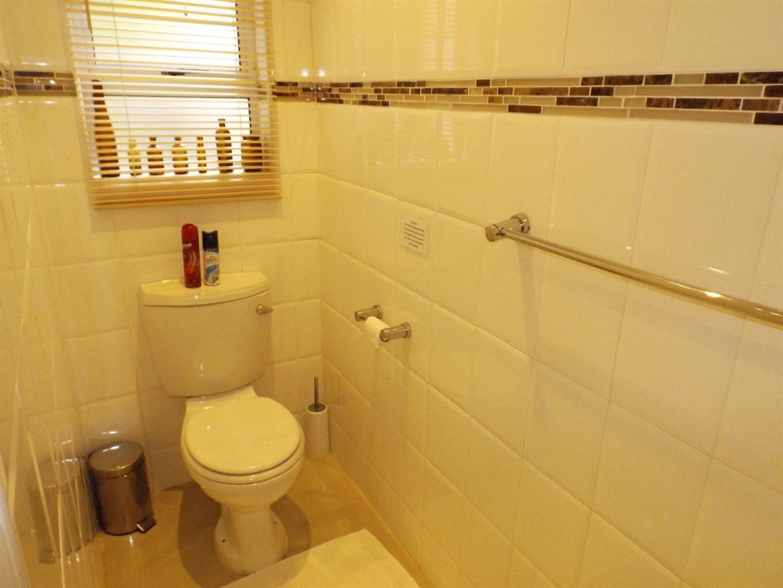 Bonnie Doone property for sale. Ref No: 13576132. Picture no 34