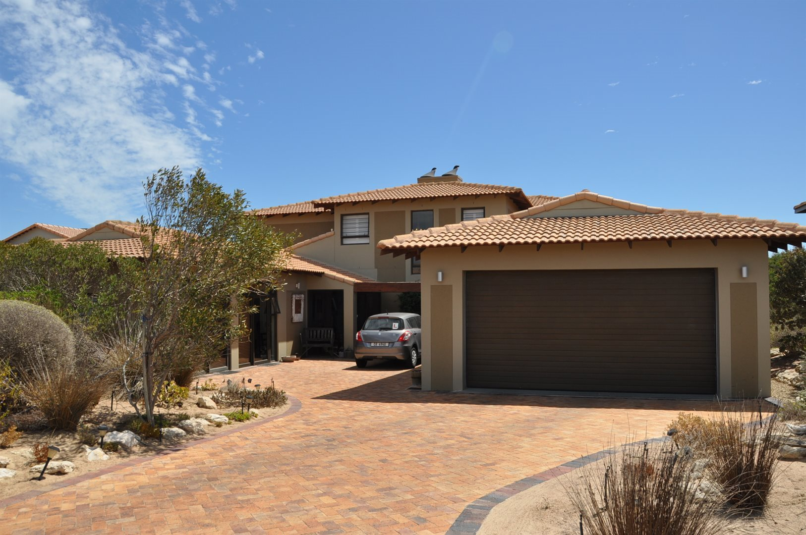 Property and Houses for sale in Langebaan Country Estate, House, 5 Bedrooms - ZAR 4,300,000