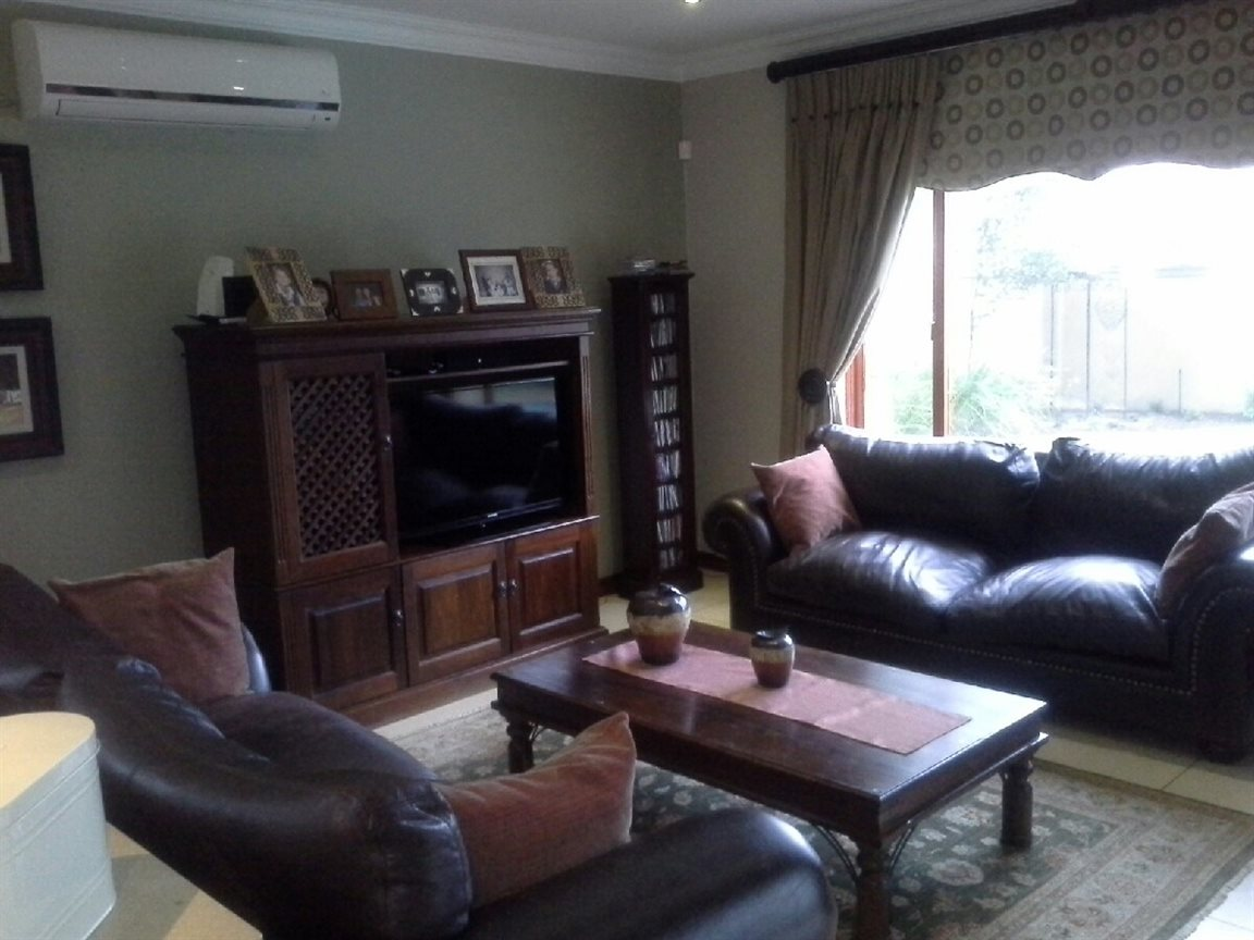 Meyerton Ext 6 property for sale. Ref No: 12769874. Picture no 4