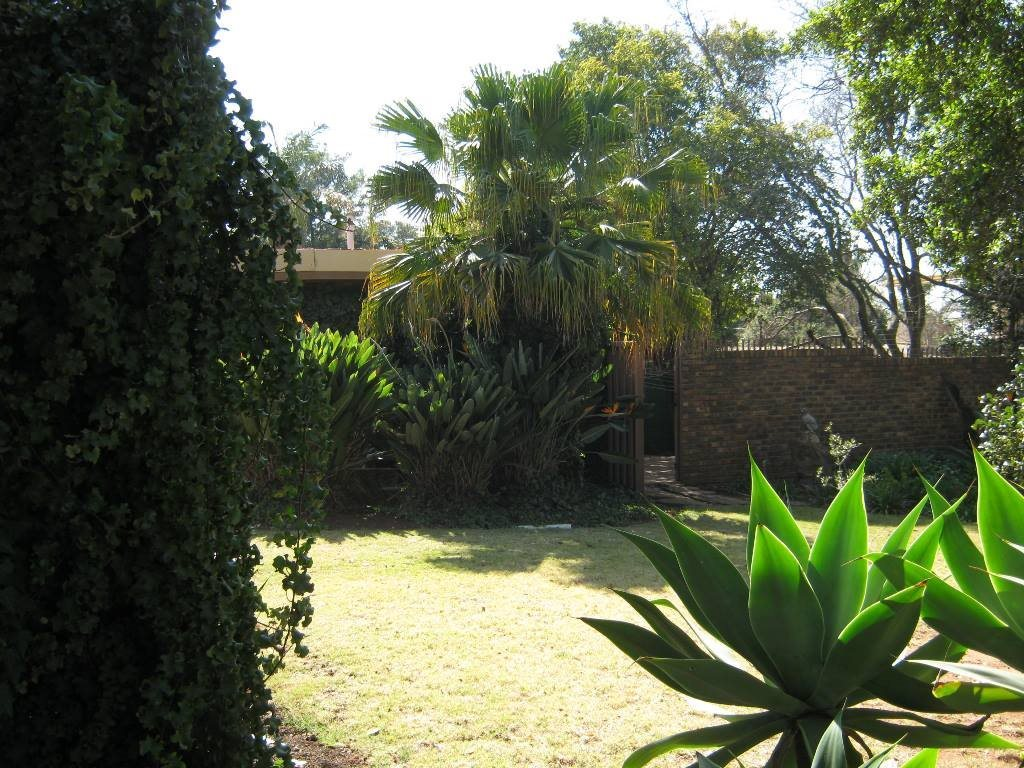 Waterkloof Glen property for sale. Ref No: 13505274. Picture no 14