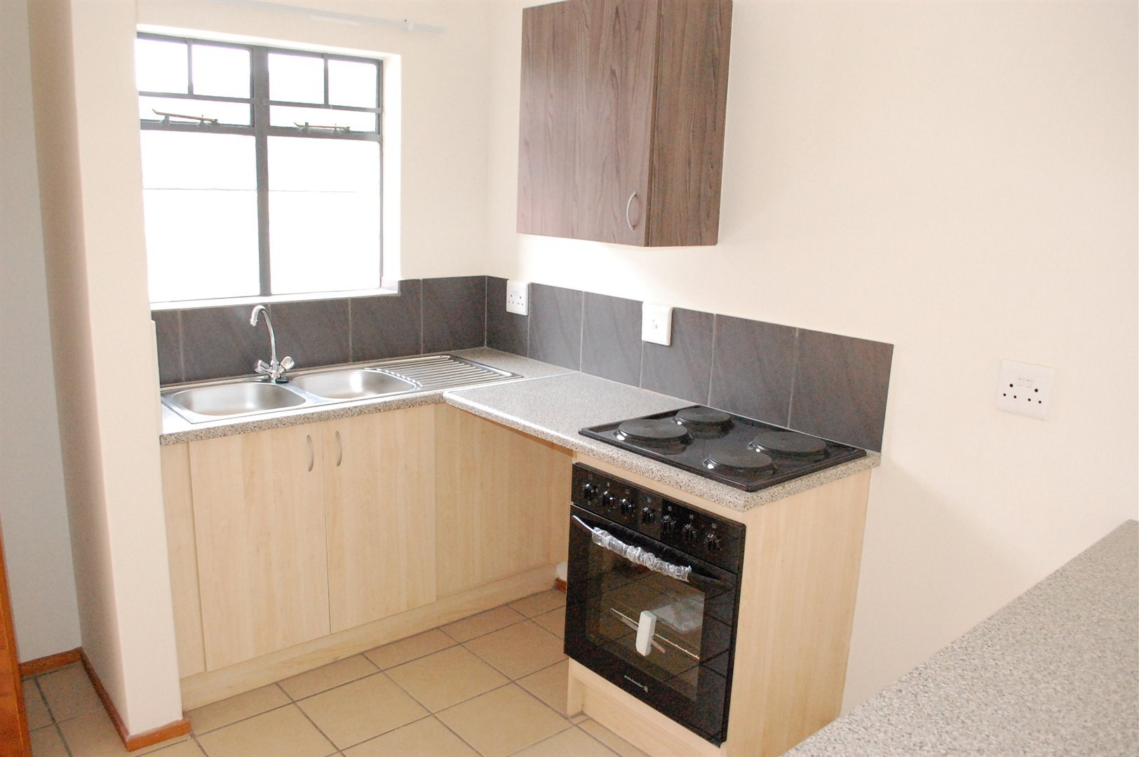 Amberfield property for sale. Ref No: 13486562. Picture no 2