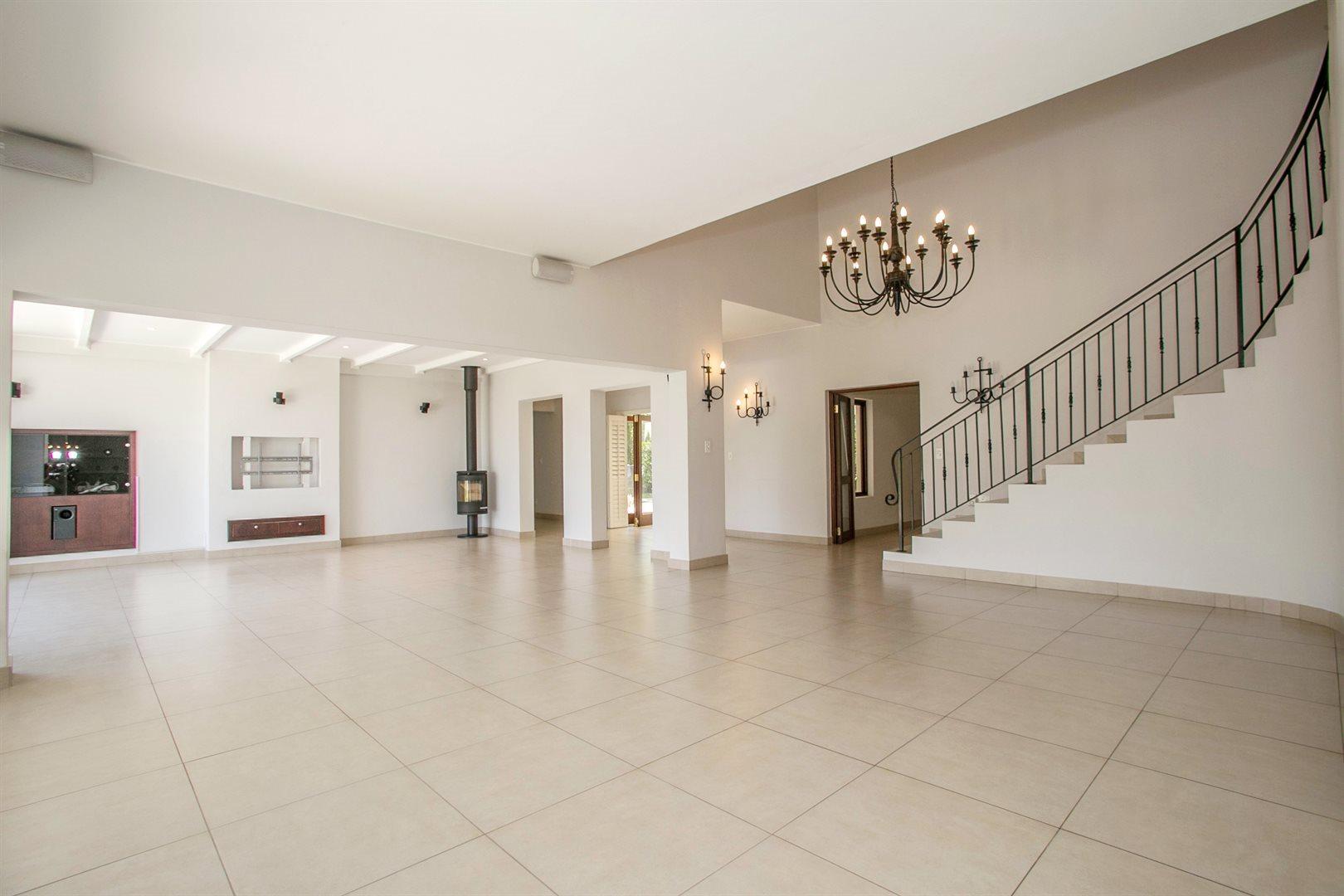 Dainfern Golf Estate property for sale. Ref No: 13381182. Picture no 2