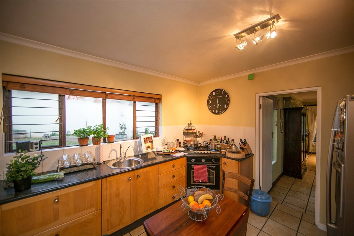 Fourways property for sale. Ref No: 13450350. Picture no 5