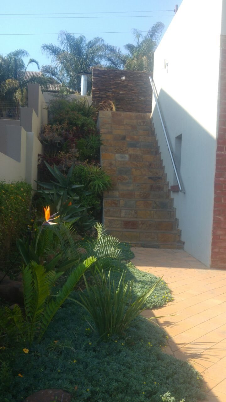 Eldo View property for sale. Ref No: 13598261. Picture no 21