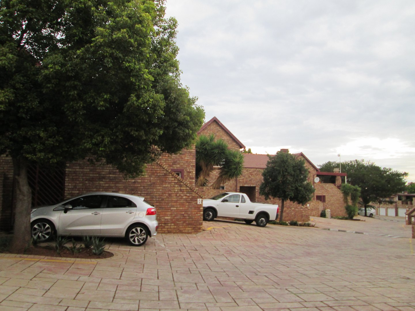 Die Hoewes property for sale. Ref No: 13607966. Picture no 2