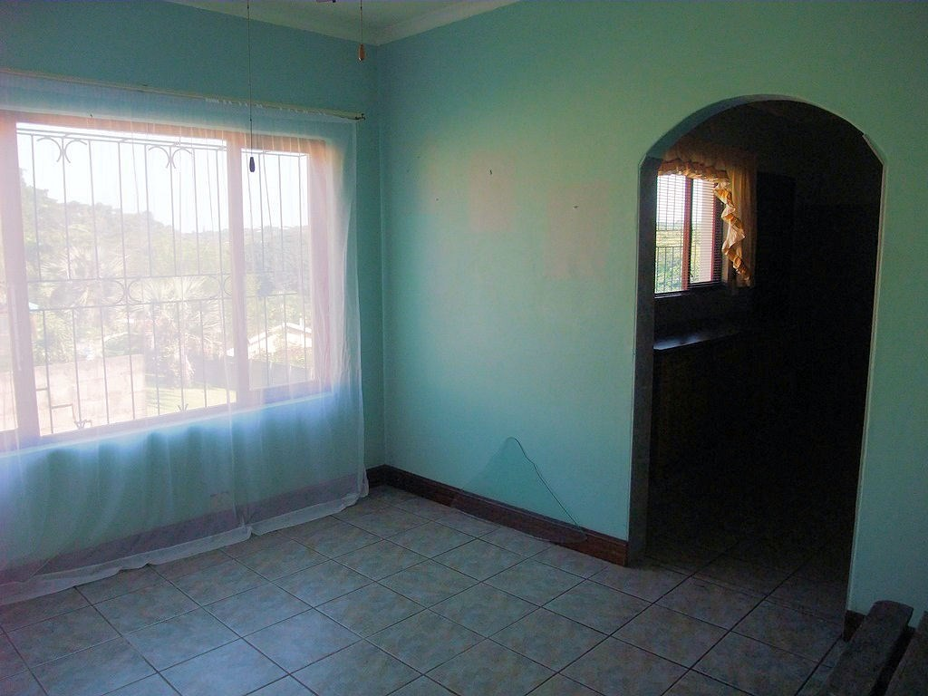 Uvongo property for sale. Ref No: 13291127. Picture no 11