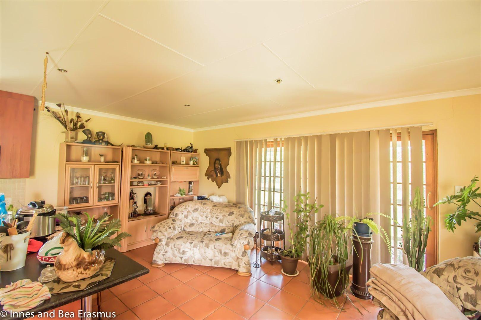 Van Der Westhuizen property for sale. Ref No: 12728959. Picture no 7