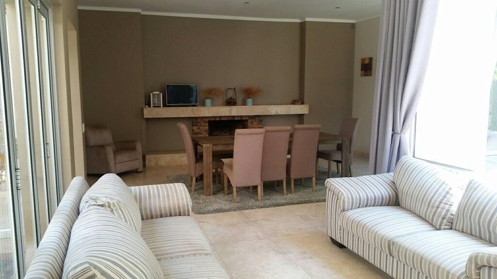 Midstream Estate property for sale. Ref No: 13589581. Picture no 14