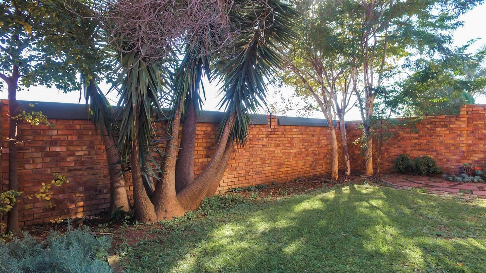 Die Hoewes property for sale. Ref No: 13397871. Picture no 13