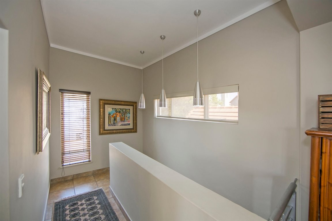 Fourways property for sale. Ref No: 13383649. Picture no 8