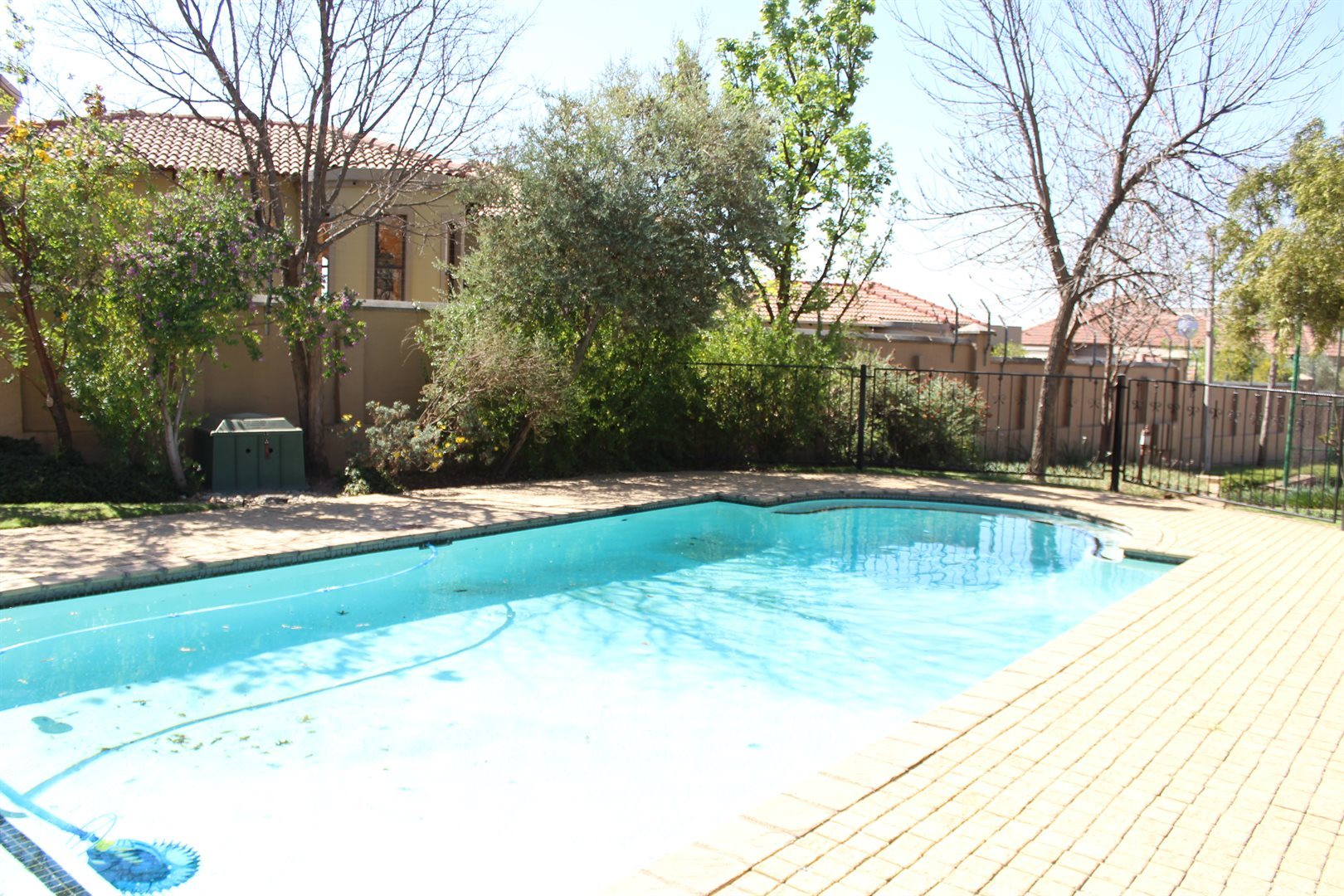 Fourways property to rent. Ref No: 13566316. Picture no 15