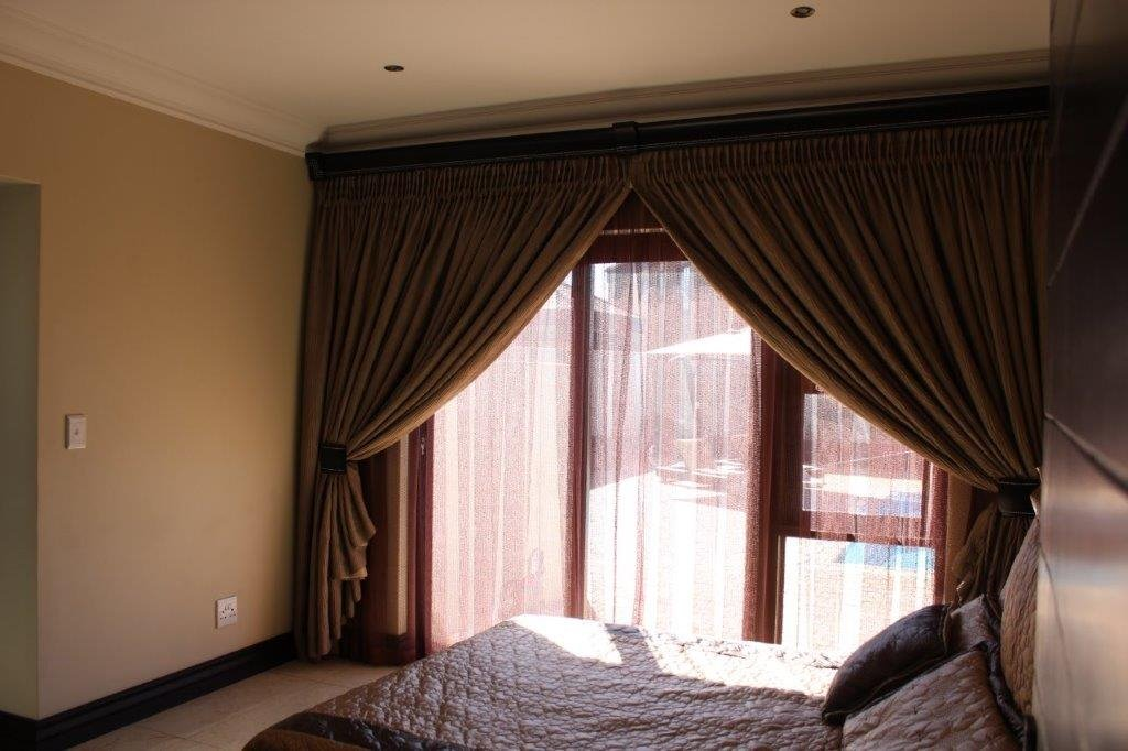 Blue Valley Golf Estate property for sale. Ref No: 13371077. Picture no 7