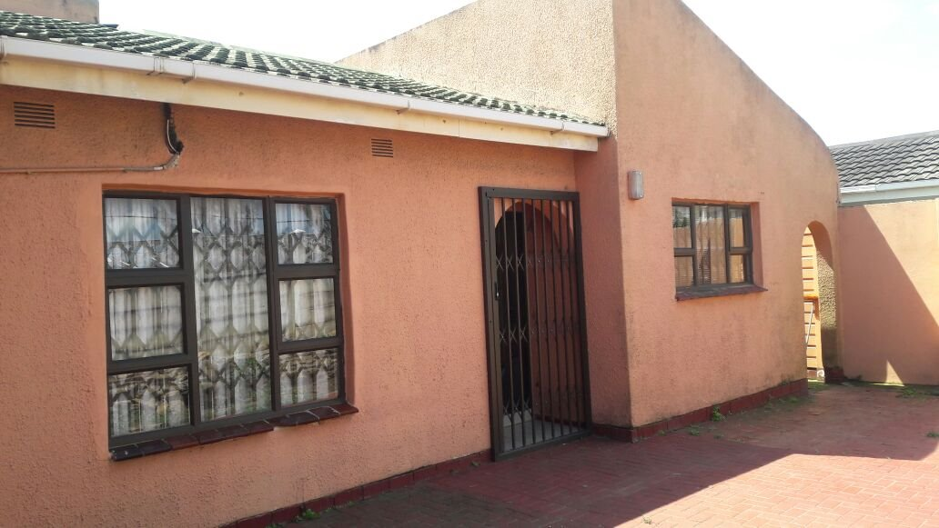 Esikhawini property for sale. Ref No: 13402346. Picture no 1