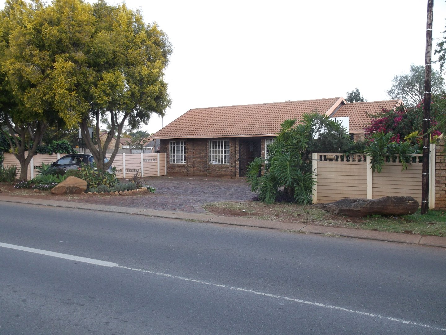 Property and Houses for sale in Rooihuiskraal North, Commercial, 3 Bedrooms - ZAR 1,290,000