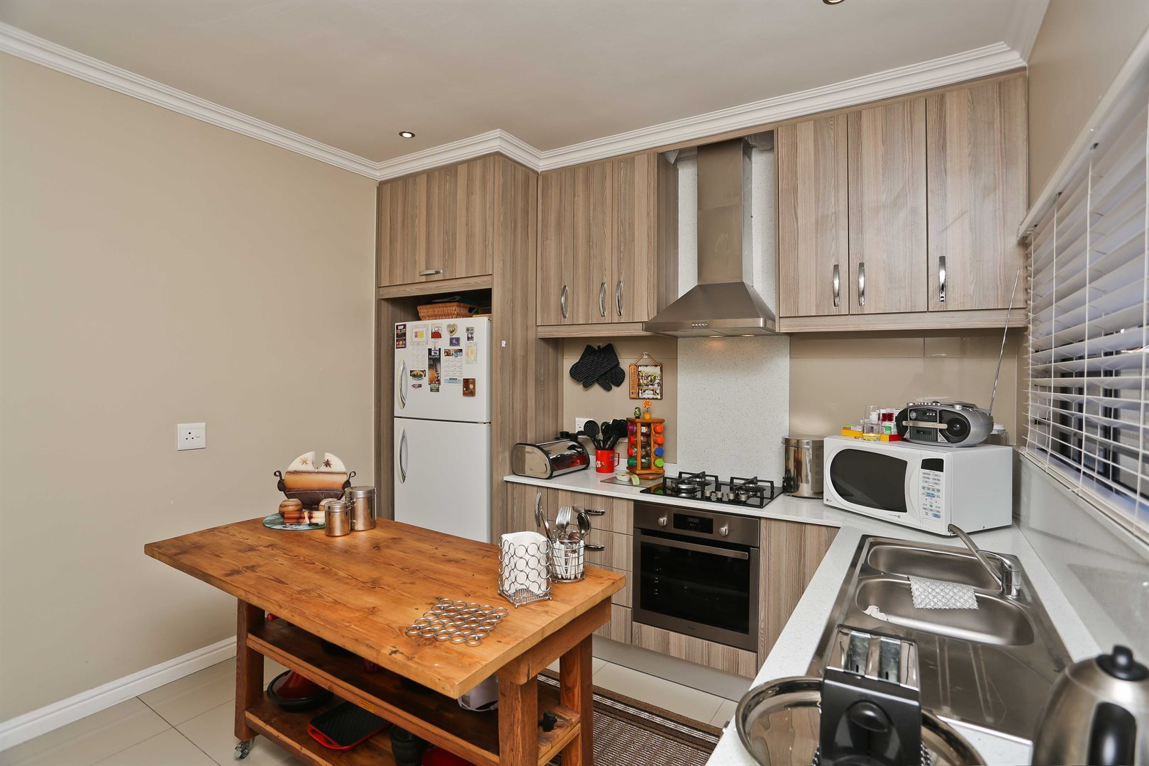 Plumstead property for sale. Ref No: 13581245. Picture no 25