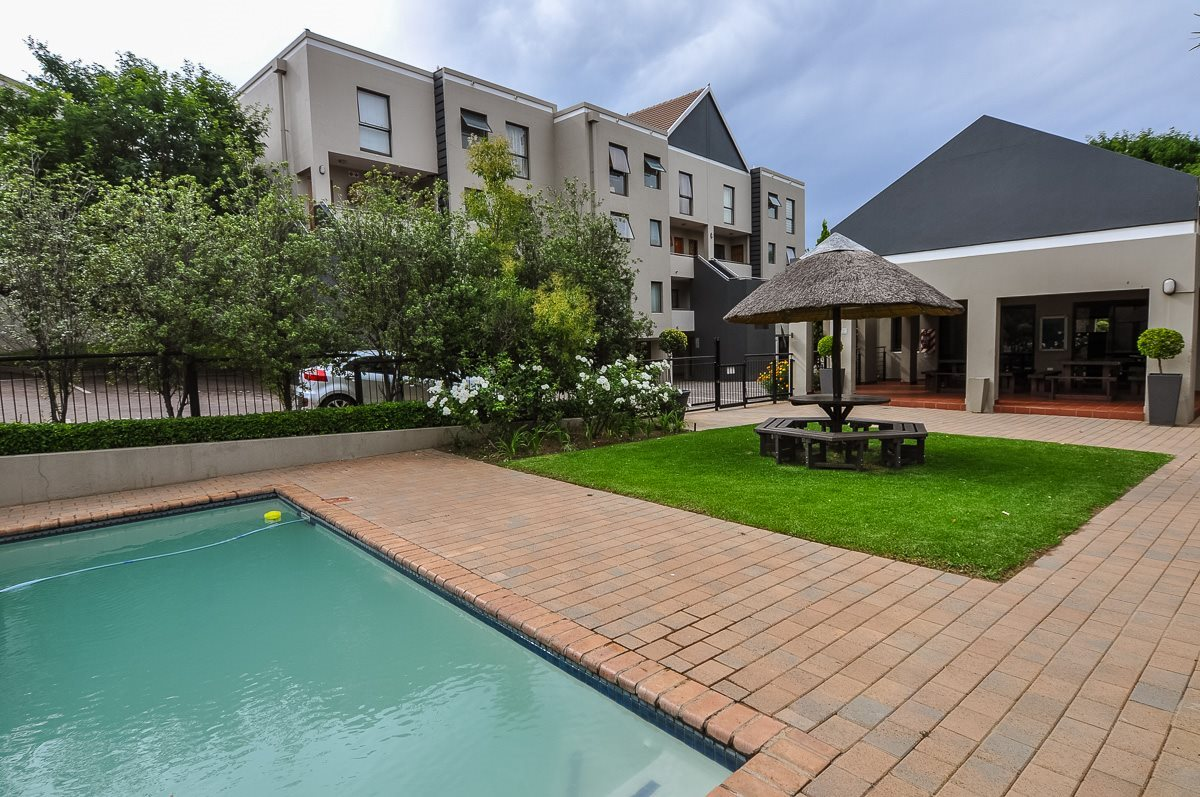Sandton, Magaliessig Property    Houses To Rent Magaliessig, Magaliessig, Apartment 2 bedrooms property to rent Price:,  9,00*