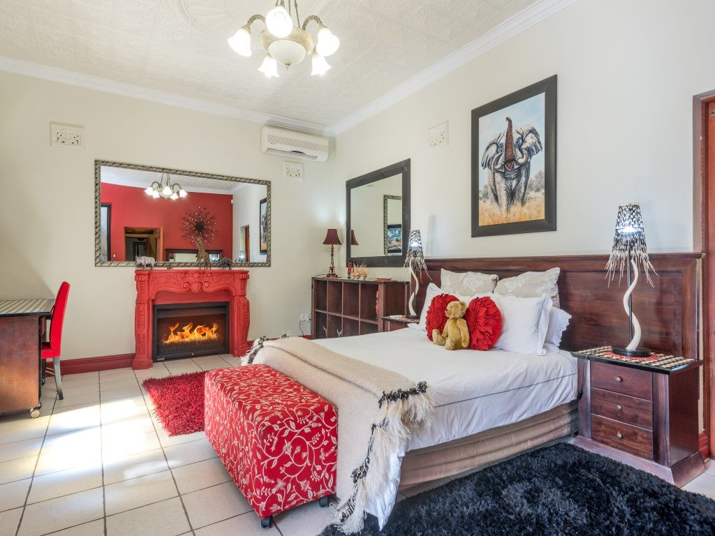 Franschhoek property for sale. Ref No: 13327931. Picture no 9