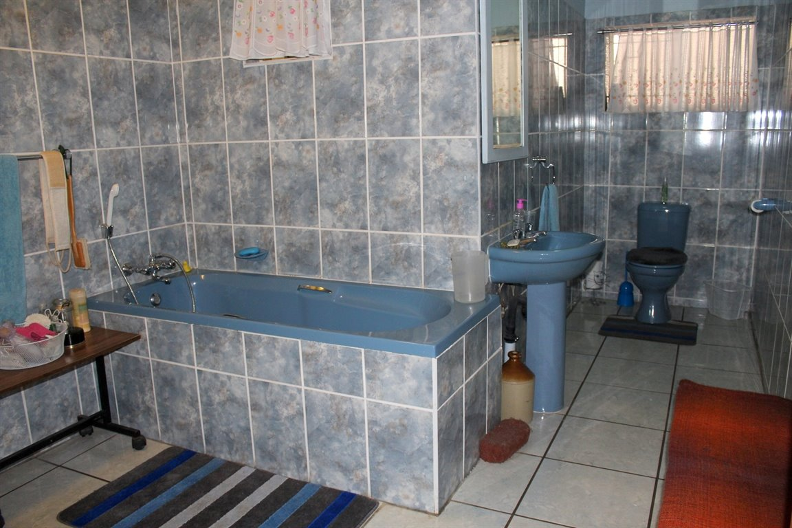 Potchefstroom property for sale. Ref No: 13394134. Picture no 4