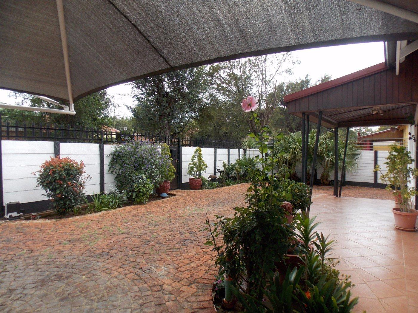 Malvern property for sale. Ref No: 13467428. Picture no 4