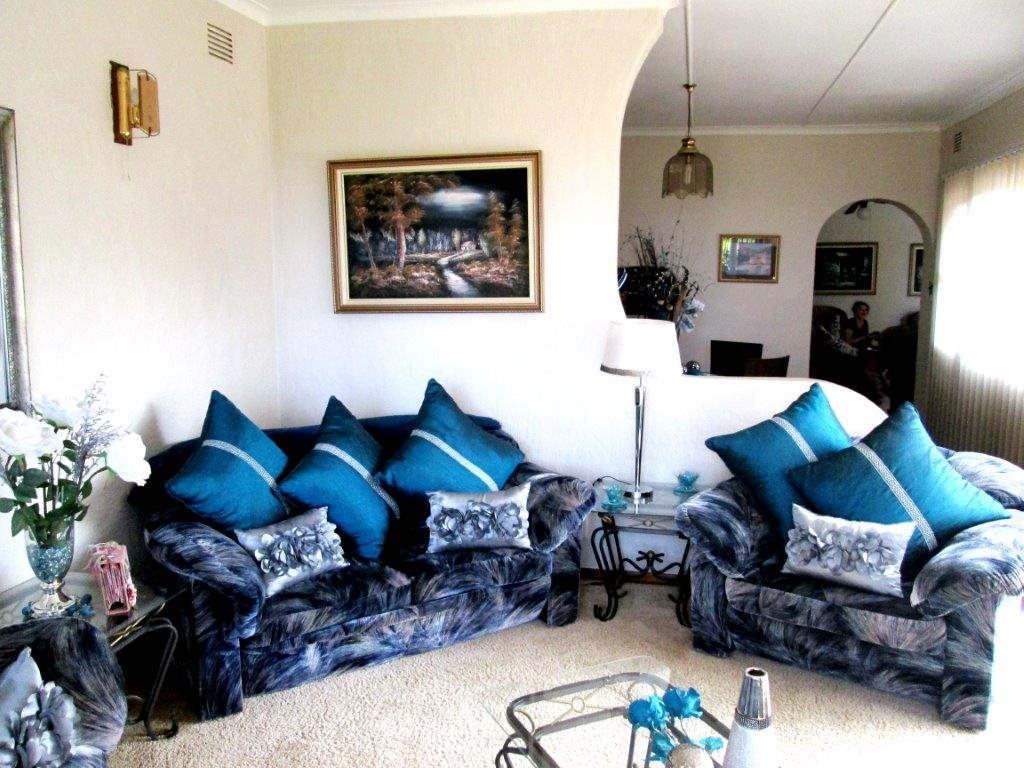 Shelly Beach property for sale. Ref No: 12792074. Picture no 11