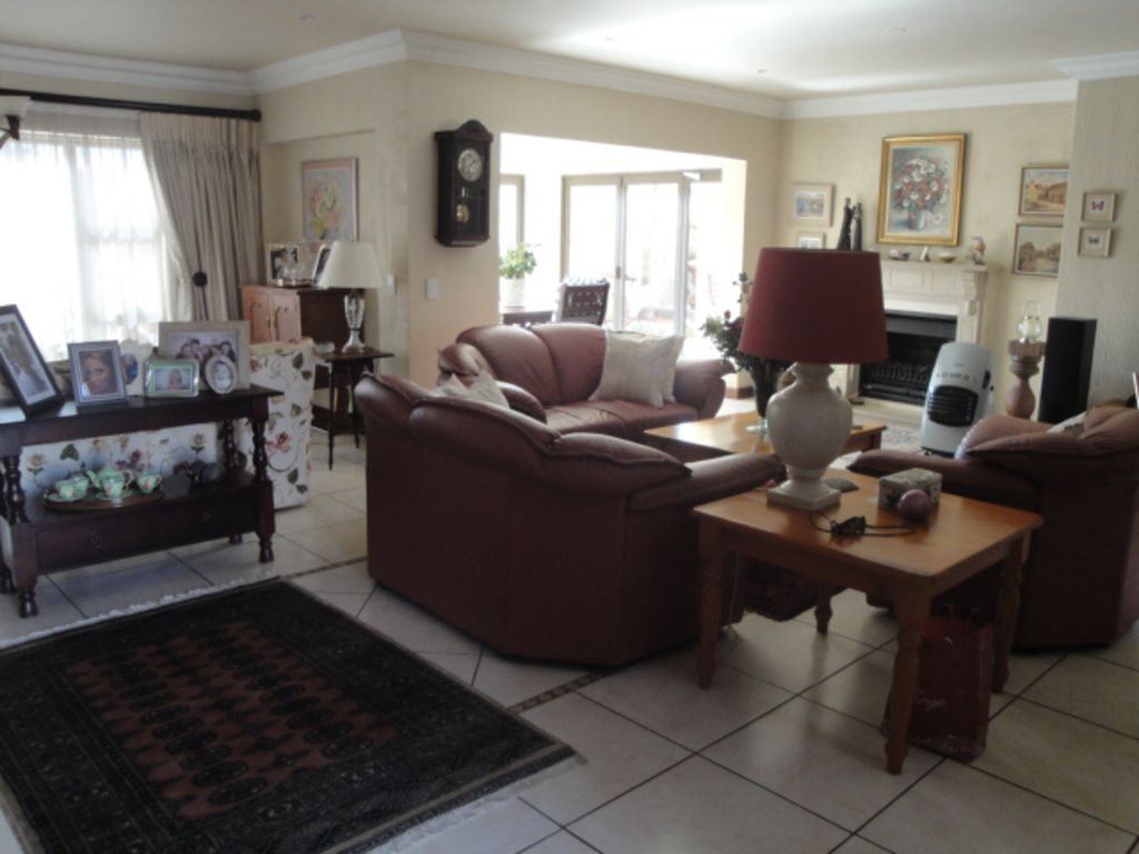 Centurion Golf Estate property to rent. Ref No: 13392622. Picture no 9
