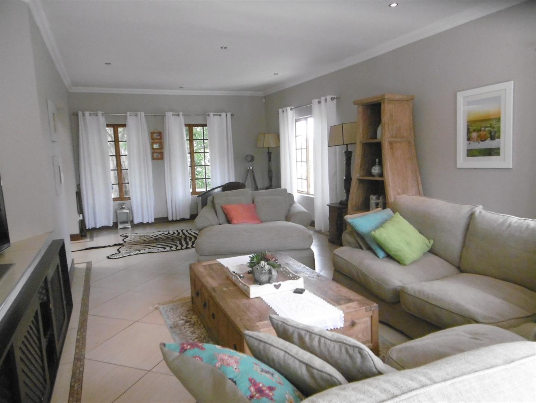 Bryanston property for sale. Ref No: 13443961. Picture no 2