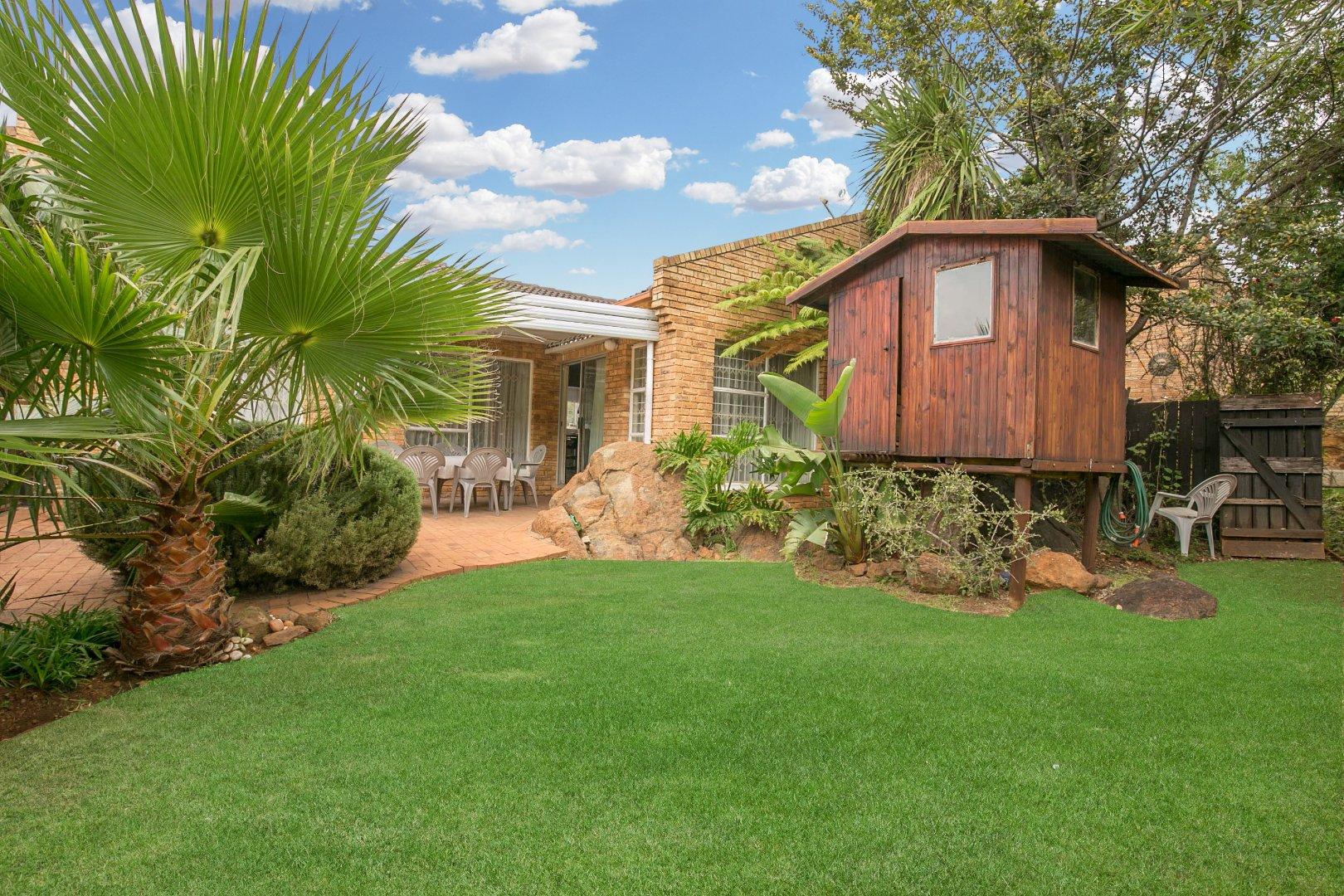 Johannesburg, Glenvista Property    Houses For Sale Glenvista - Page 5, Glenvista, Townhouse 3 bedrooms property for sale Price:1,350,000