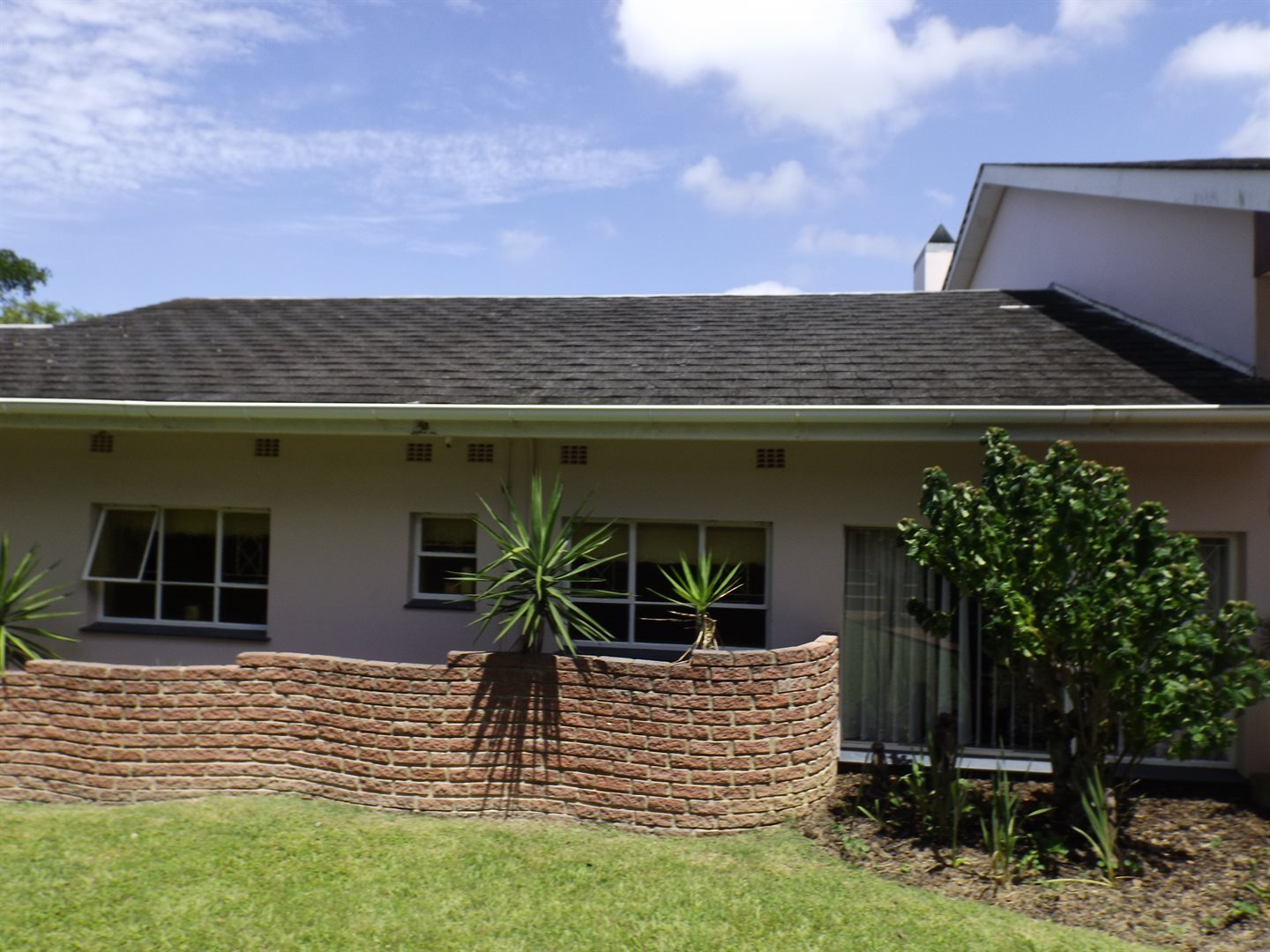 Property for Sale by DLC INC. ATTORNEYS Graham Hodson, House, 4 Bedrooms - ZAR 2,100,000