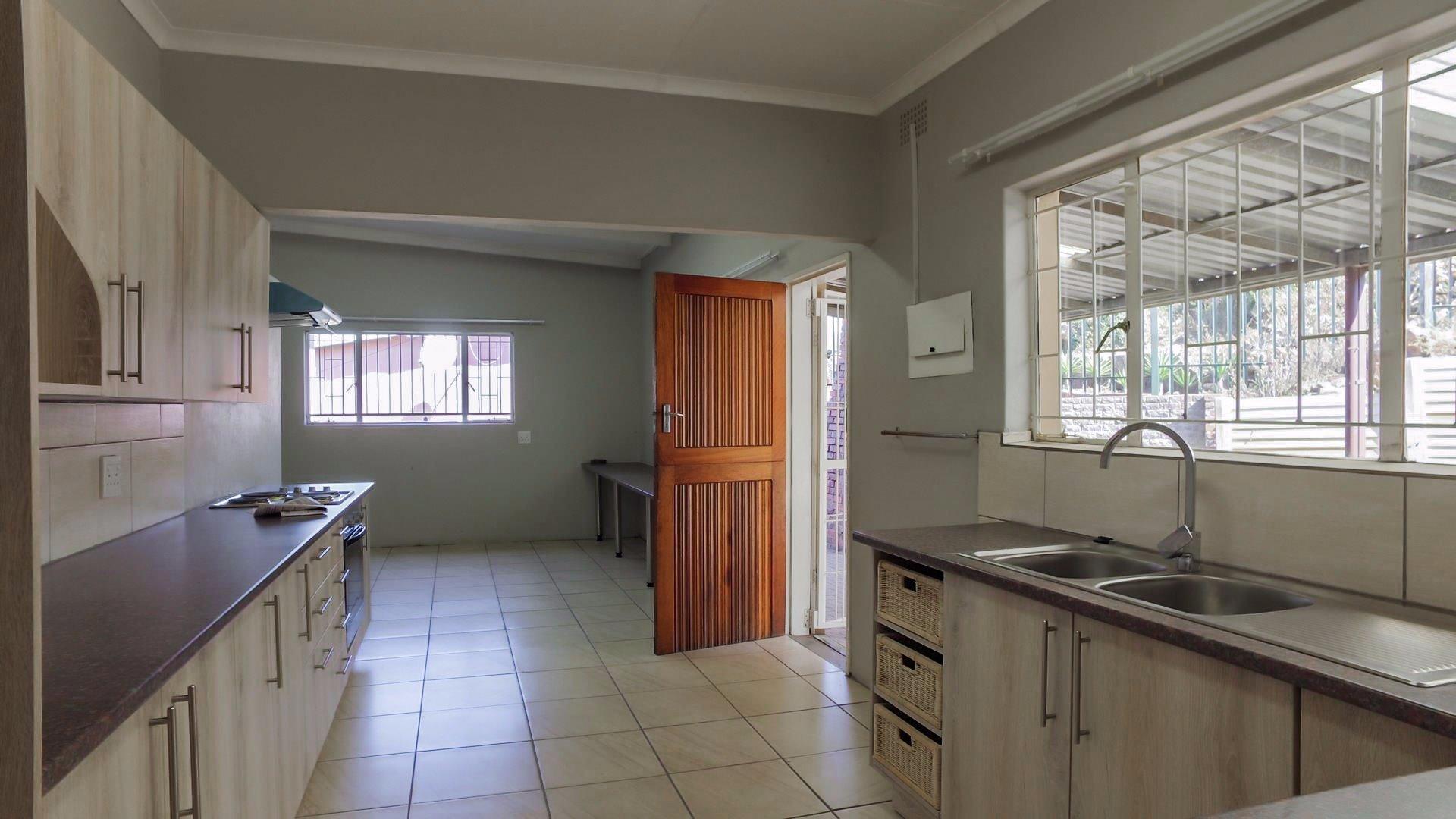 Erasmia property for sale. Ref No: 13379466. Picture no 14
