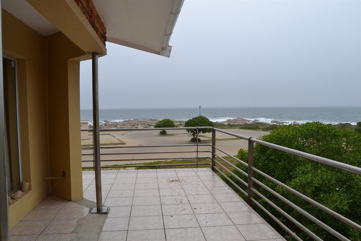 Lamberts Bay property for sale. Ref No: 13394487. Picture no 18