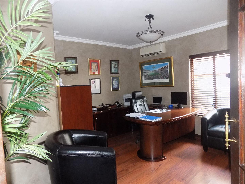 Eldoglen property to rent. Ref No: 13543361. Picture no 4