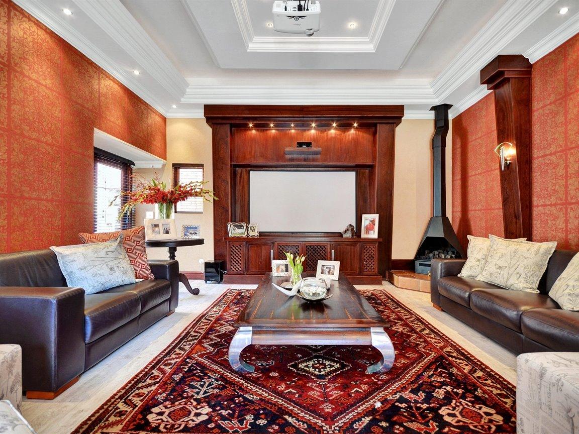 Glenvista property for sale. Ref No: 13390499. Picture no 7