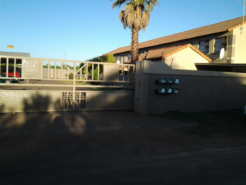 Three Rivers property for sale. Ref No: 13249893. Picture no 5