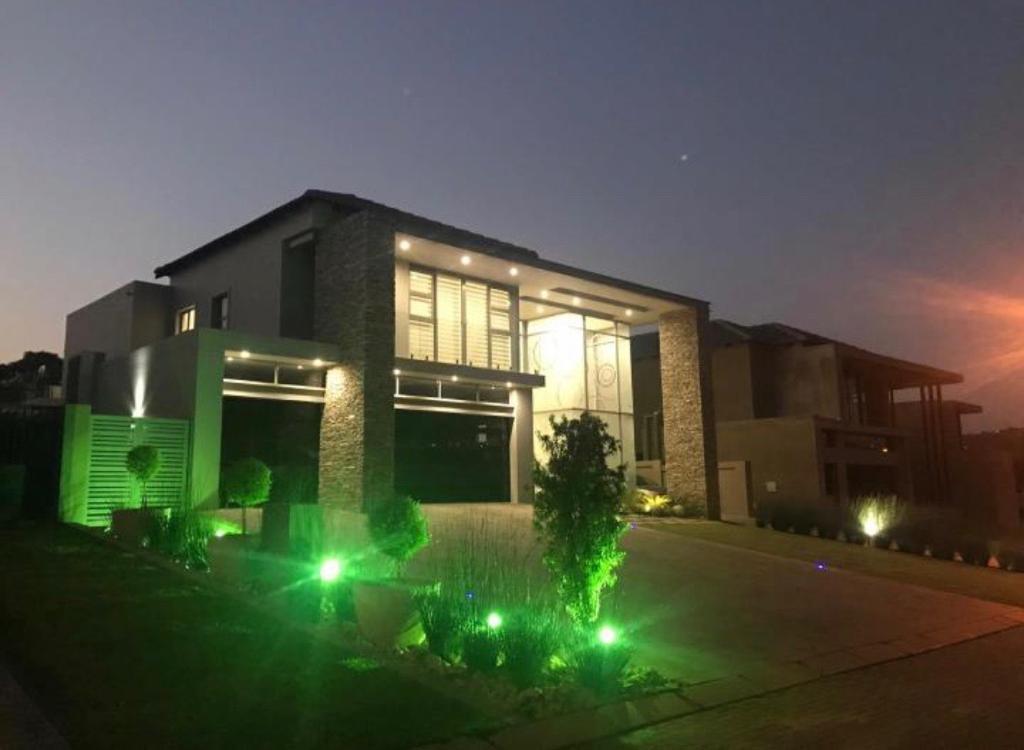 , House, 5 Bedrooms - ZAR 8,990,000