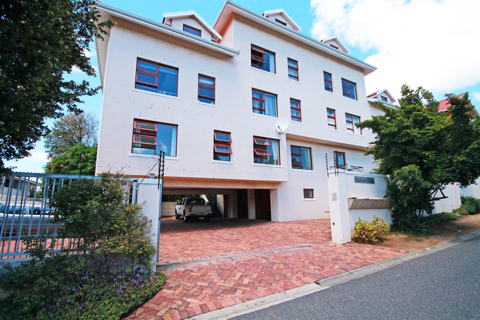 Cape Town, Mowbray Property  | Houses For Sale Mowbray, Mowbray, Apartment 2 bedrooms property for sale Price:1,395,000