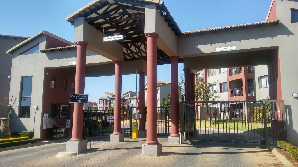 Roodepoort, Honeydew Grove Property  | Houses For Sale Honeydew Grove, Honeydew Grove, Apartment 2 bedrooms property for sale Price:685,000