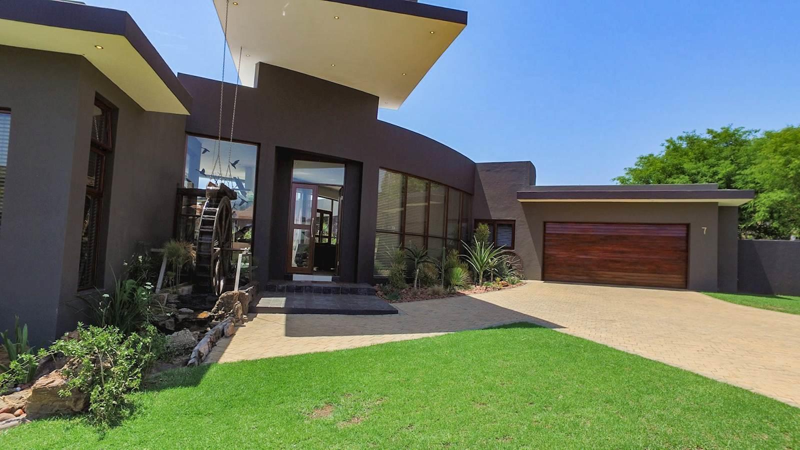 Midstream Estate property for sale. Ref No: 13435299. Picture no 12