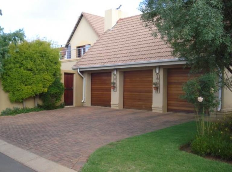 Centurion, Zwartkop Golf Estate Property    Houses For Sale Zwartkop Golf Estate, Zwartkop Golf Estate, House 4 bedrooms property for sale Price:3,950,000