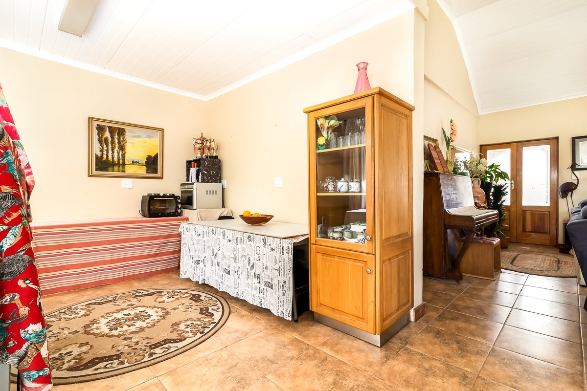 Eikenbosch property for sale. Ref No: 13681621. Picture no 8