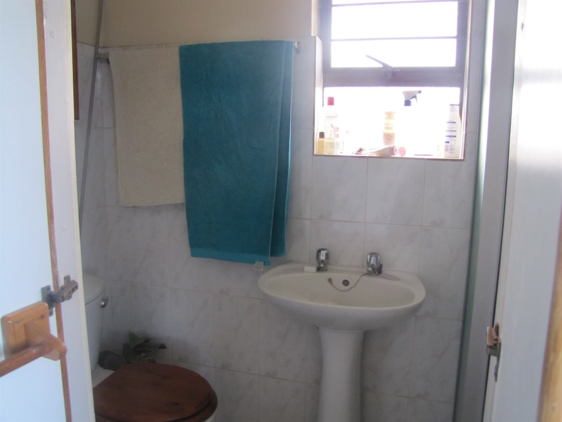 Amanzimtoti property for sale. Ref No: 13377010. Picture no 21