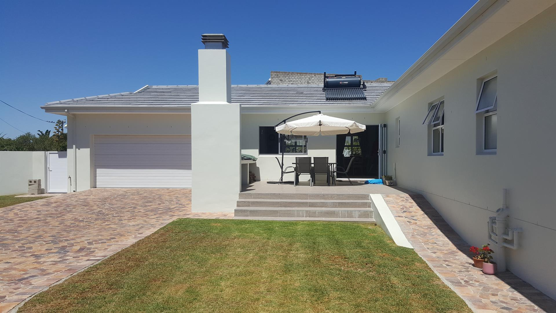 Yzerfontein property for sale. Ref No: 13454156. Picture no 14