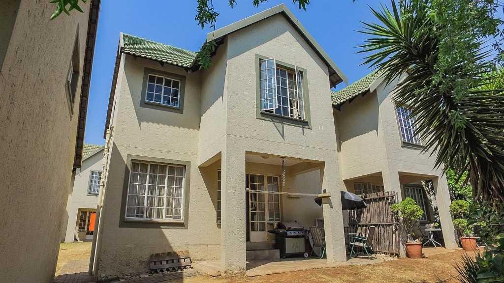 , House, 3 Bedrooms - ZAR 955,000
