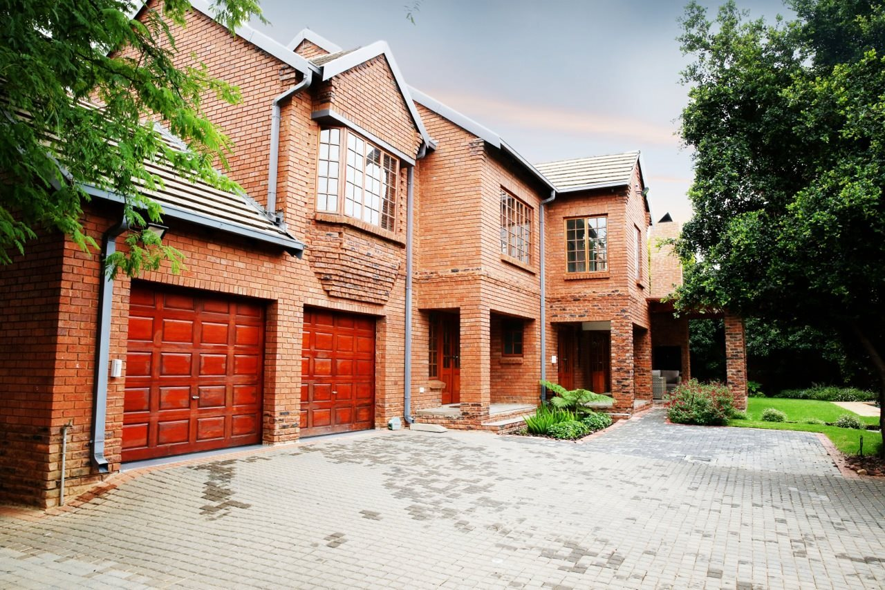 Property and Houses for sale in Country Lane Estate, House, 5 Bedrooms - ZAR 4,600,000