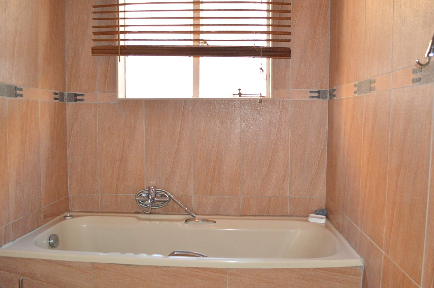 Fourways property to rent. Ref No: 13553030. Picture no 13