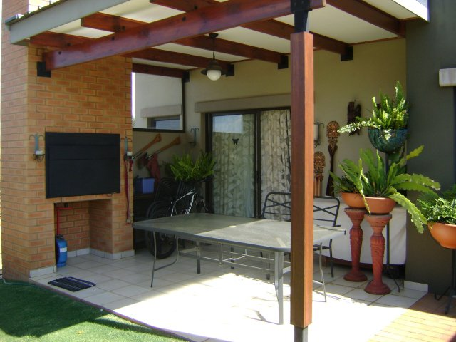Property and Houses to rent in Retire At Midstream, Apartment, 1 Bedrooms - ZAR , 10,70*,M
