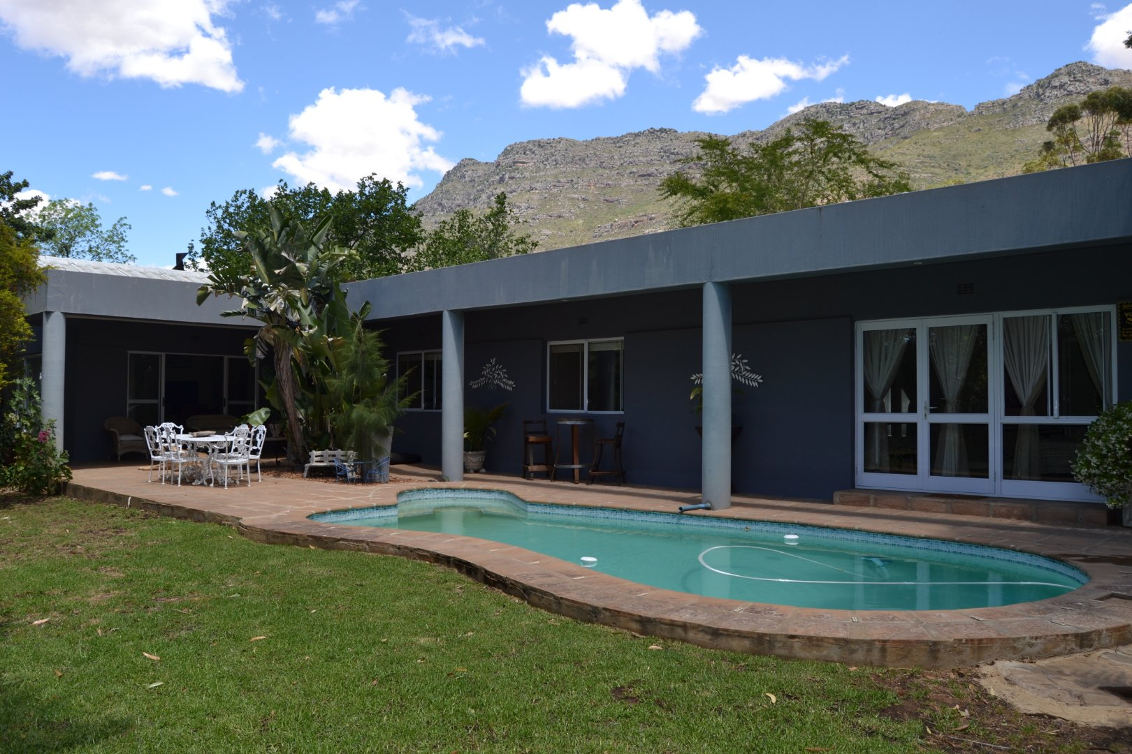 Property and Houses for sale in Riebeek West, House, 6 Bedrooms - ZAR 3,965,000
