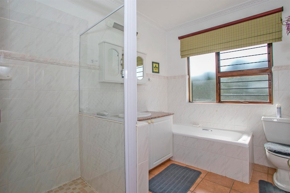 Fourways property for sale. Ref No: 13378870. Picture no 19