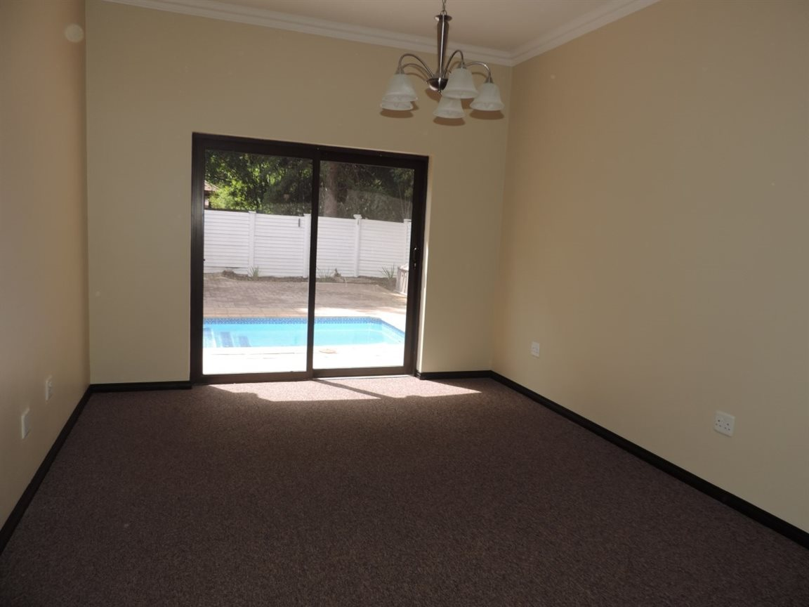 Three Rivers Proper property for sale. Ref No: 12765248. Picture no 6